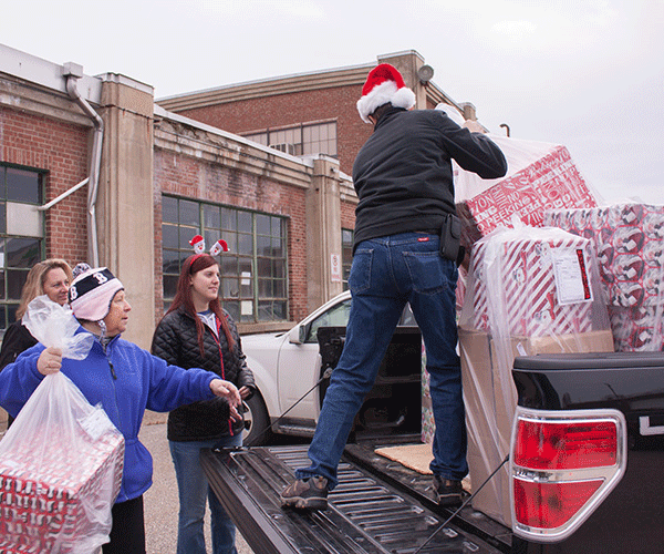 Dec. 2015 - Operation Santa Dropoff